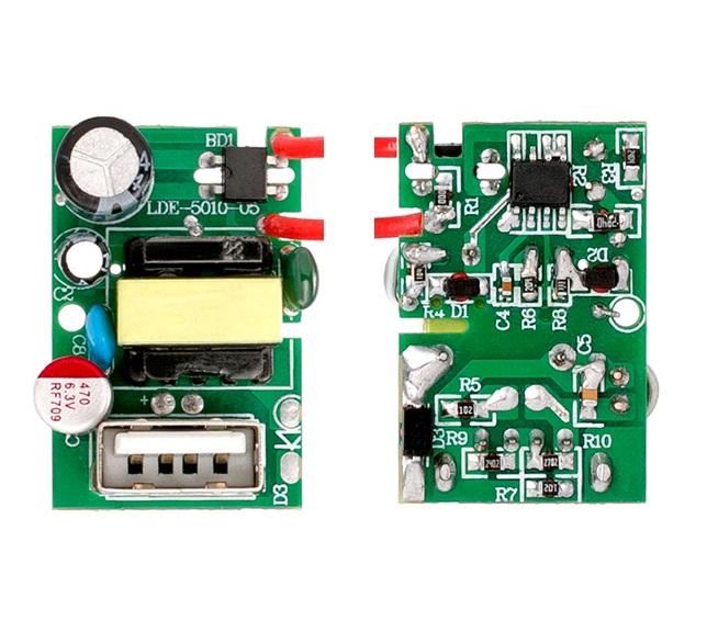 Бързо зареждаща се платка за захранване PD стена зарядно устройство 5V / 2.4A PCBA платка 12W AC DC модул за захранване